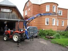 КМУ модели РМ2522 на тракторе
