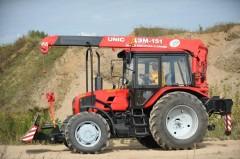 Трактор Беларусь с манипулятором UNIC