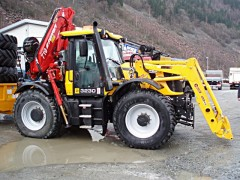 Трактор JCB 3230 с КМУ Ferrari.